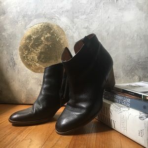 Madewell black leather ankle boots